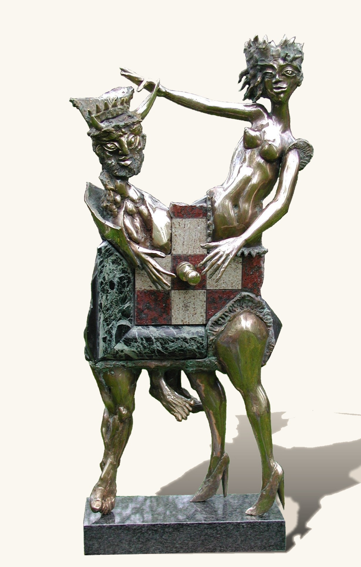 King and Queen chess sculpture